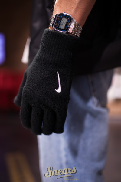 NIKE KNITTED TECH AND GRIP GLOVES (9317-20)