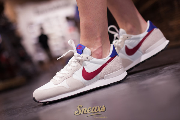 NIKE WMNS INTERNATIONALIST (828407-105)