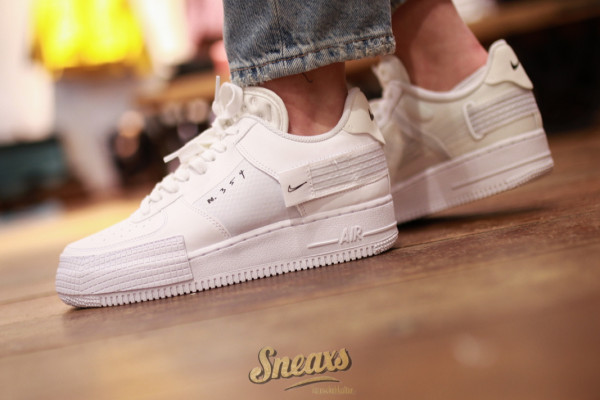 NIKE AIR FORCE 1 TYPE (CQ2344-101)
