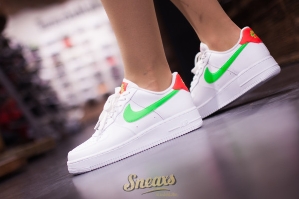 NIKE WMNS AIR FORCE 1 '07 (CT4328-100)