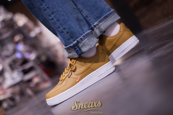 NIKE WMNS AIR FORCE 1 '07 ESS (CT1989-700)