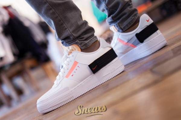 NIKE AIR FORCE 1 TYPE (CZ7107-100)