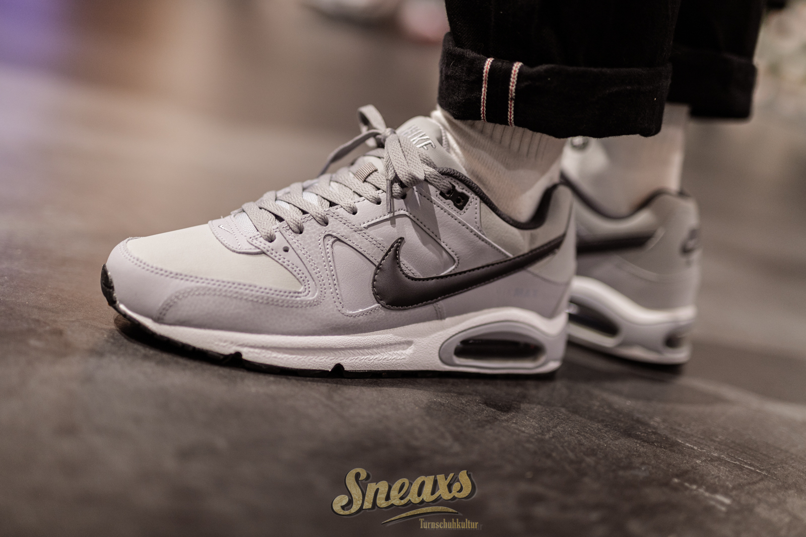 NIKE AIR MAX COMMAND LEATHER (749760 012)