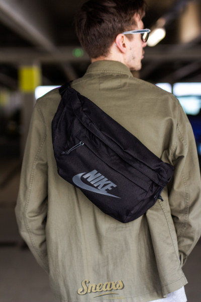 NIKE TECH HIP PACK (BA5751-010)