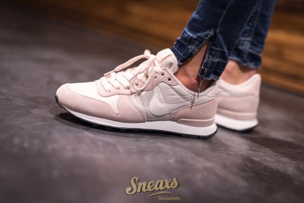 NIKE WMNS INTERNATIONALIST (828407-618)