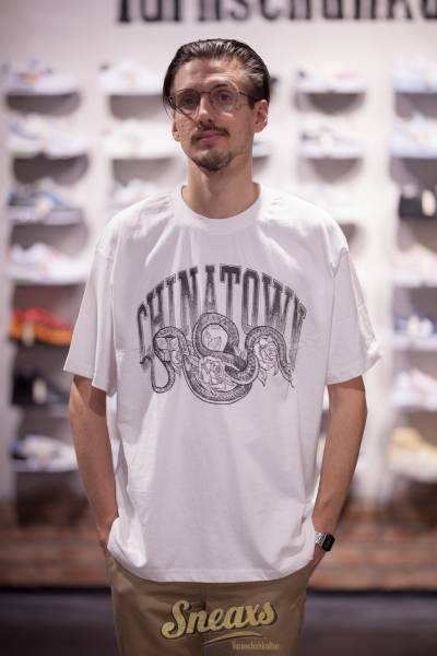 CHINATOWN MARKET SNAKE ARCH TEE (F20-1990028-1201)